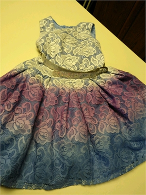 Beautiful & Fun Girls 5T Party Dress.  IN NEW CONDITION!